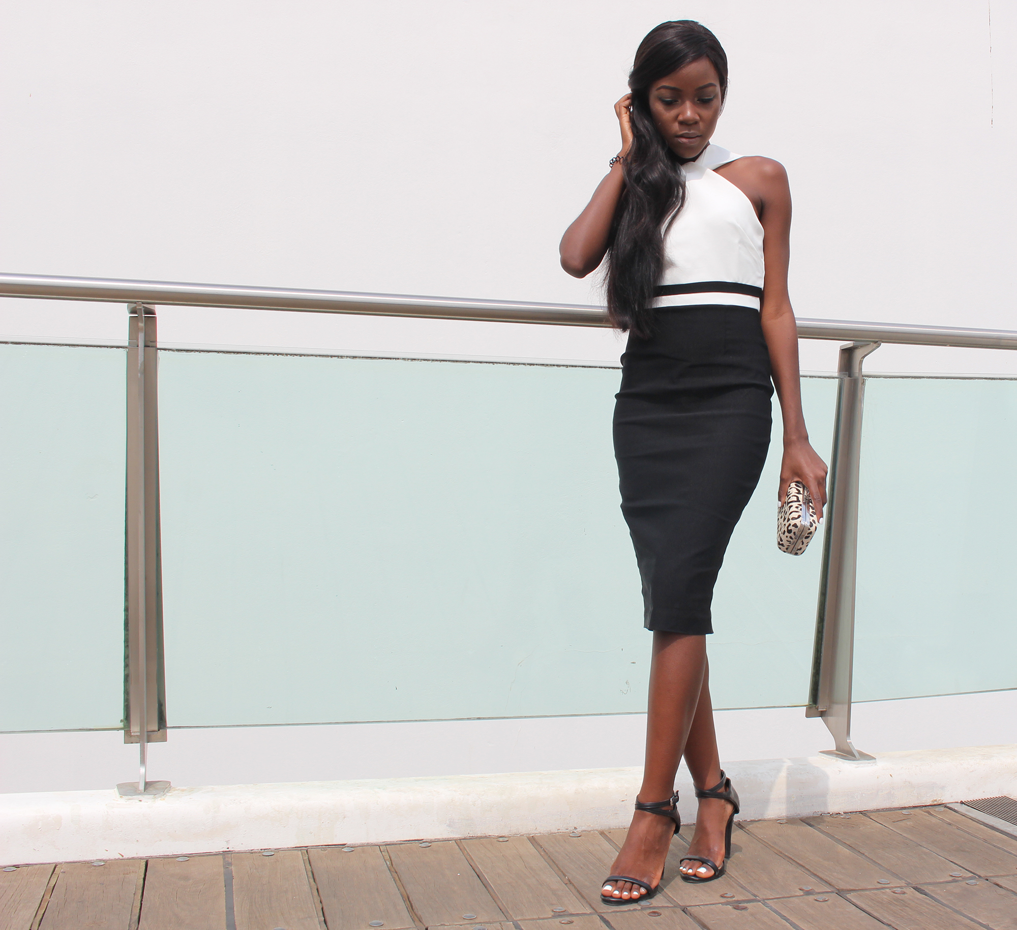 how-to-wear-a-sheath-dress