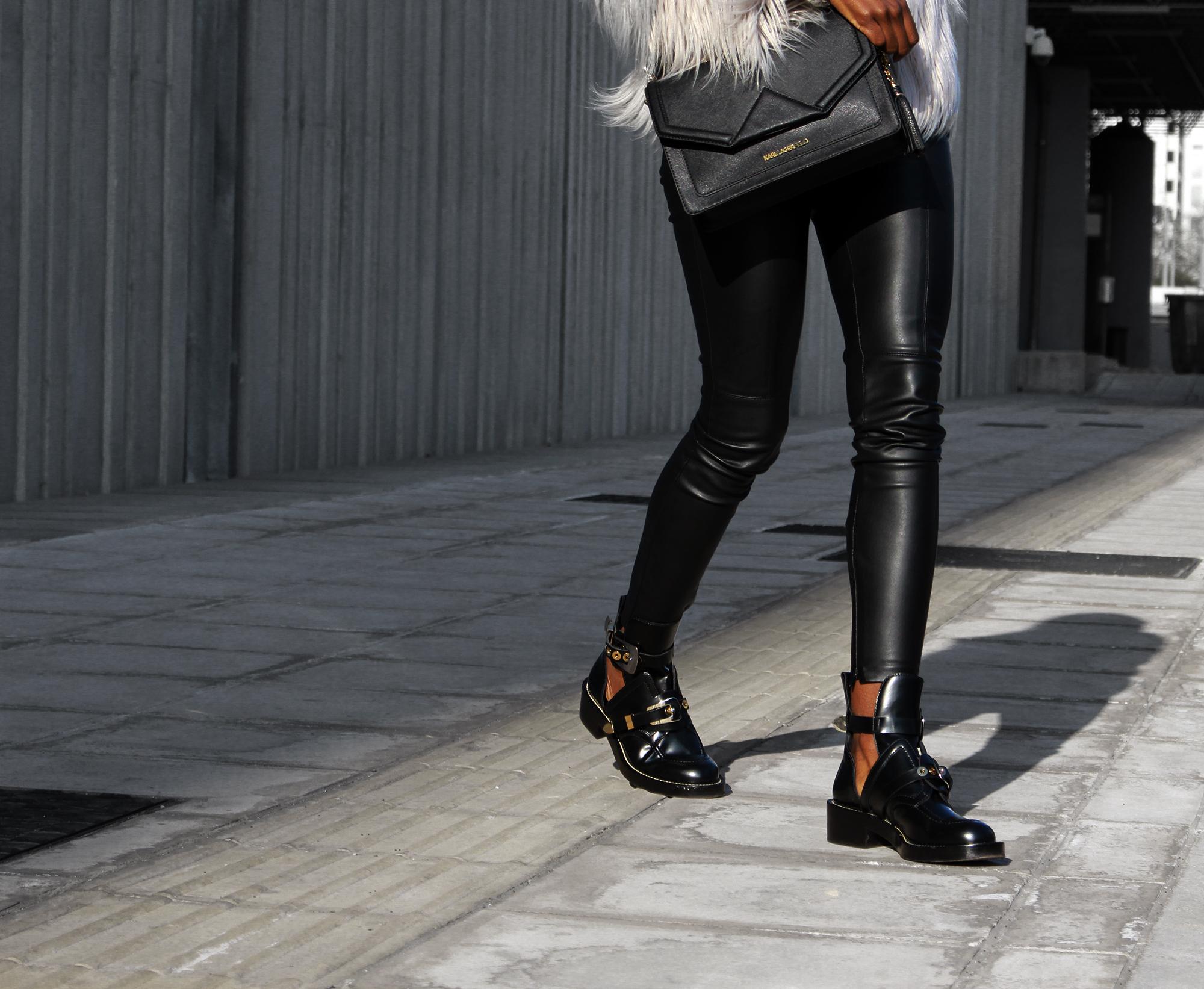 balenciaga-ceinture-boots