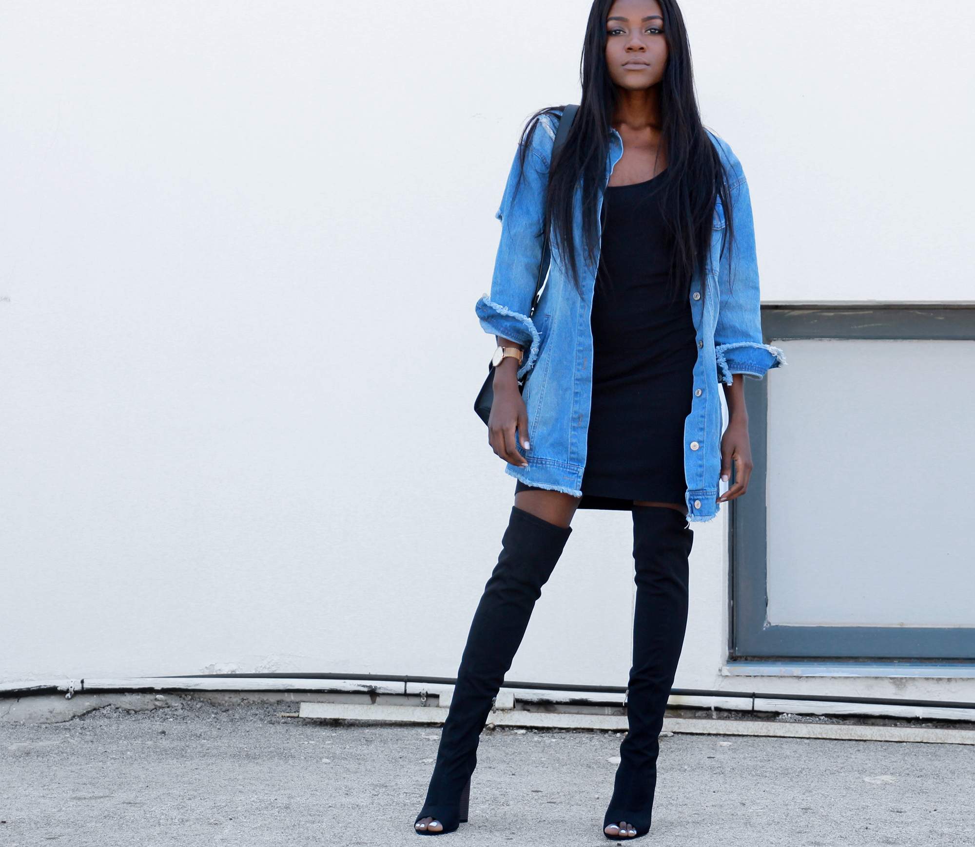 how-to-wear-an-oversized-denim-jacket