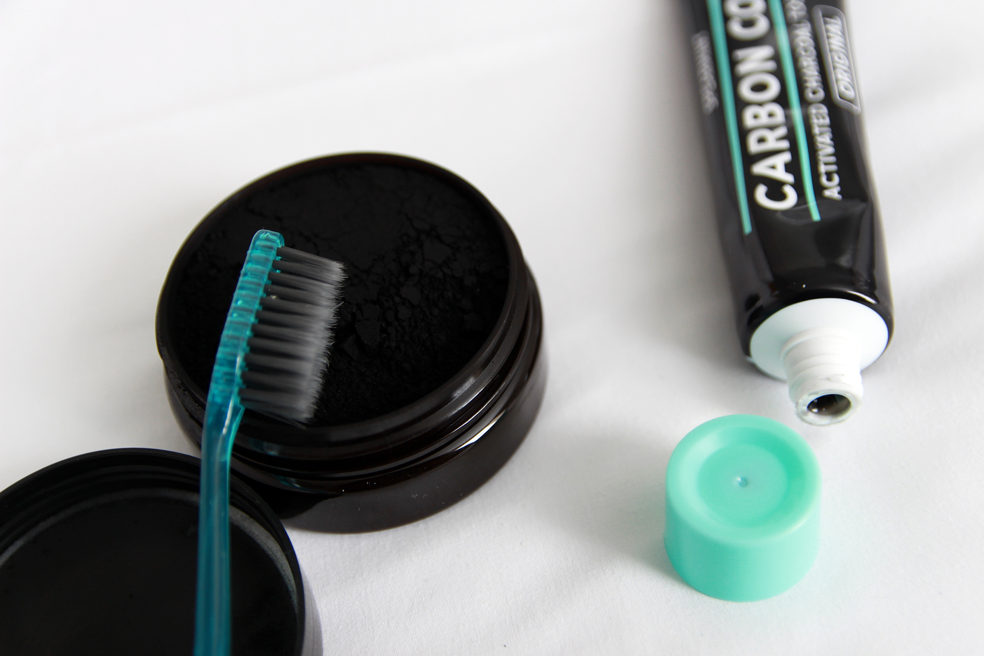 carbon-coco-ultimate-whitening-kit-review