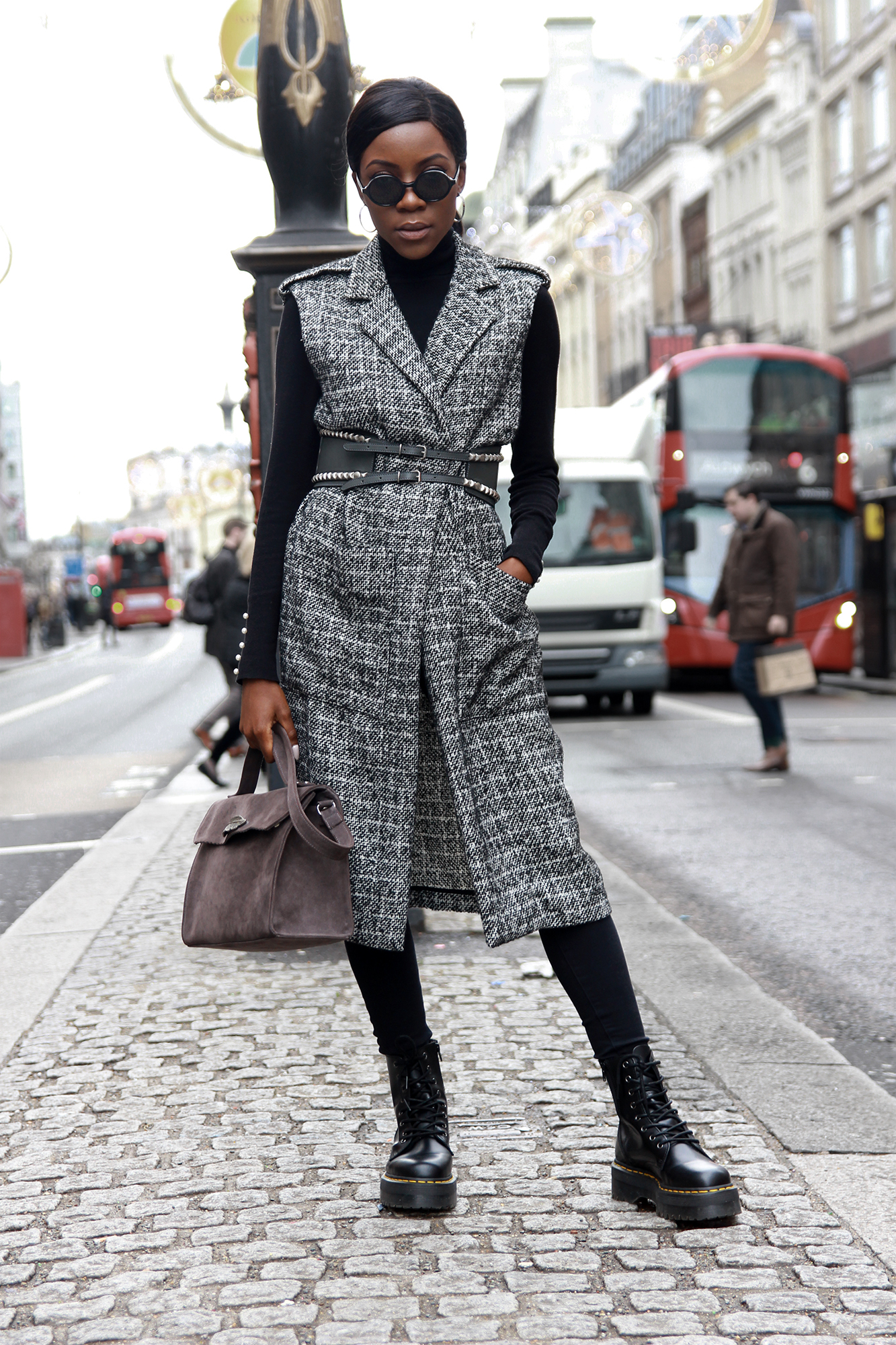 how-to-wear-a-vest-in-winter